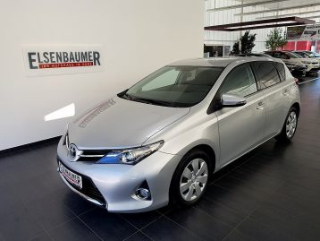 Toyota Auris 1,4 D-4D Feel! bei Autohaus Elsenbaumer in